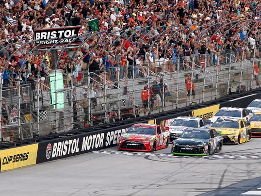 what time does the nascar cup race at bristol motor
