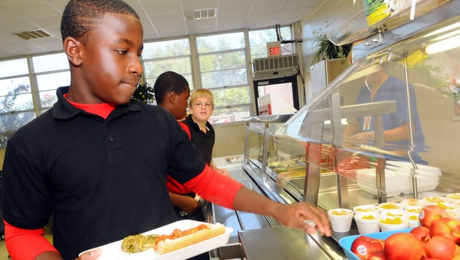 A Southern Miss-created workshop for school nutrition directors is helping them implement stricter federal school lunch and breakfast rules.