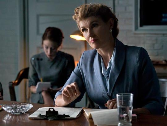 Josette Frank (Connie Britton) interrogates William