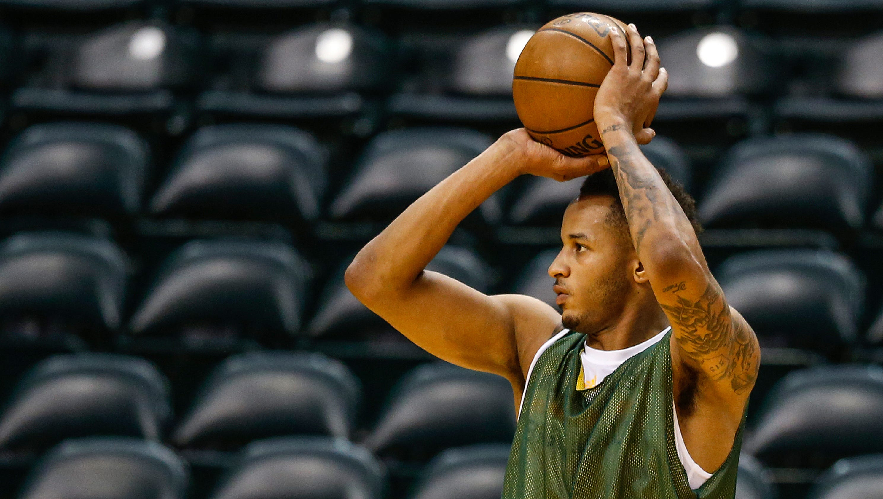 636310545534402117-pacersworkout3-mm-023