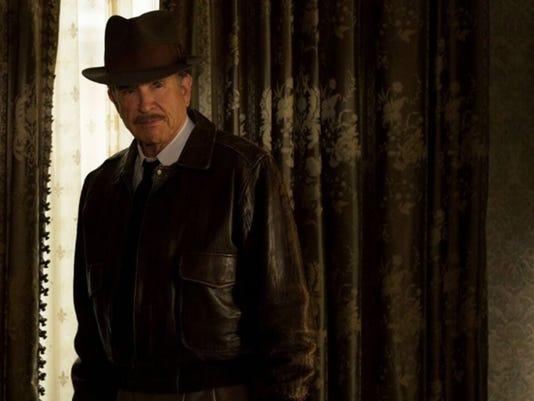 Era-spanning auteur Warren Beatty returns to the screen as Howard Hughes in ëRules Donít Applyí