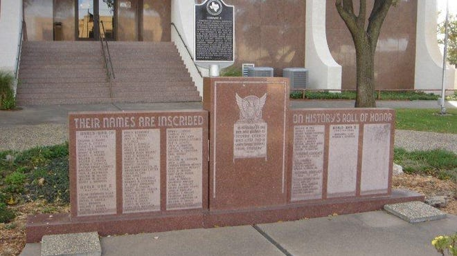 The Scurry County War Memorial in Snyder starts with county residents who died in World War I. Yet why was a separate memorial put up in the 1960s in the same town for a Confederate veteran?