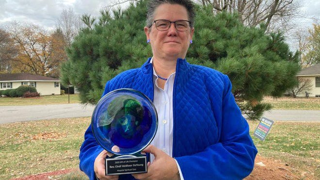 Rev. Cindi Veldheer DeYoung was honored by Gift of Life Michigan as the 2020 Hospital Spiritual Care Champion.