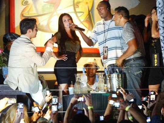 Business woman, exec producer, fashion designer, perfumista, Kim Kardashian, greeted the fans of El Paso at Wet Ultra Lounge.