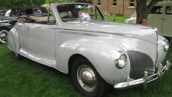 A 1940 Lincoln Zephyr.