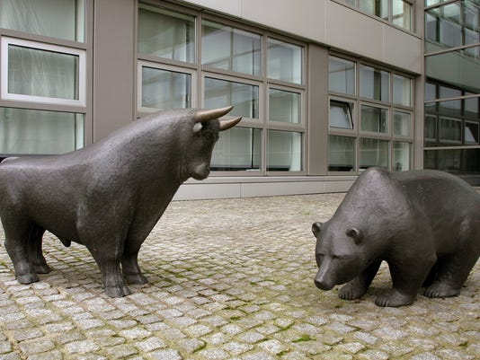 Bull vs. Bear: Will stocks go higher or stall in 2014?