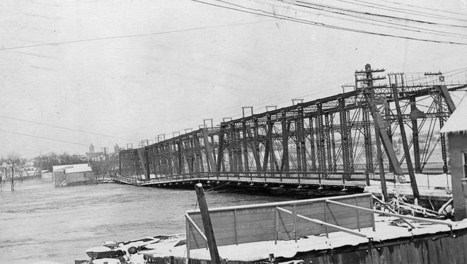 Main Street bridge looking west from Lafayette after the 1913 flood.