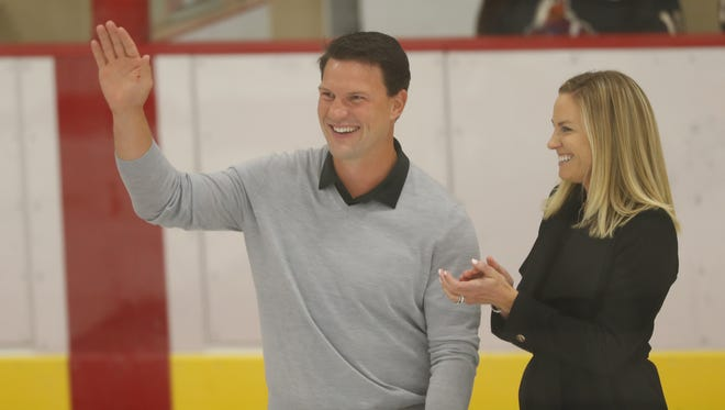 Coyotes legend Shane Doan waves to fans during a dedication ceremony at the Ice Den's west rink which was renamed officially the Shane Doan Rink in Scottsdale, Ariz. on Aug. 12, 2018.