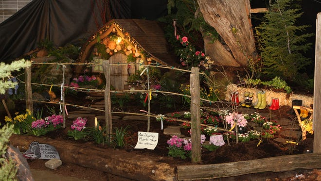 The Mid-Valley Yard, Garden & Home Show will feature a variety of large landscape display gardens March 17-19 at the Oregon State Fairgrounds.
