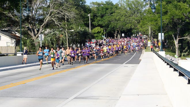 The 2017 Sunset Run gets underway in Navy Point. This year's 5K run is set for May 12.
