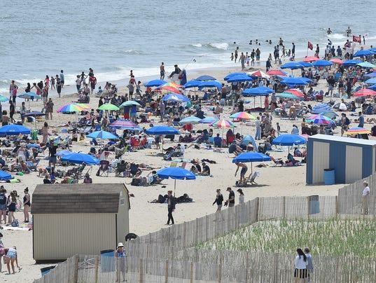 memorial.day.beach