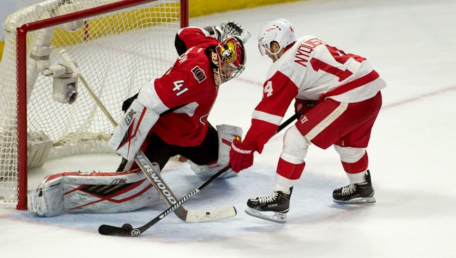 Ottawa Senators goalie Craig Anderson makes a save on a shot by Detroit Red Wings right wing Gustav Nyquist (14) in a shoot-out at the Canadian Tire Centre.