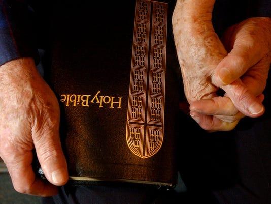 635979595170843111-praying.jpg