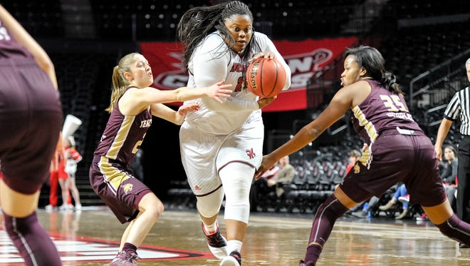 UL's Nekia Jones drives to the basket during the Cajuns' win over Texas State on Thursday.
