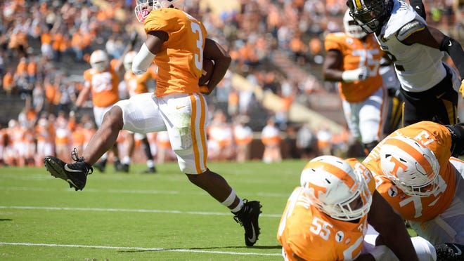 Tennessee running back Eric Gray (3) runs into the end zone for a touchdown during a Southeastern Conference game against Missouri on Saturday at Neyland Stadium in Knoxville, Tenn.