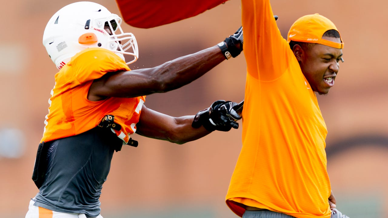 Clips from Vols football practice October 10