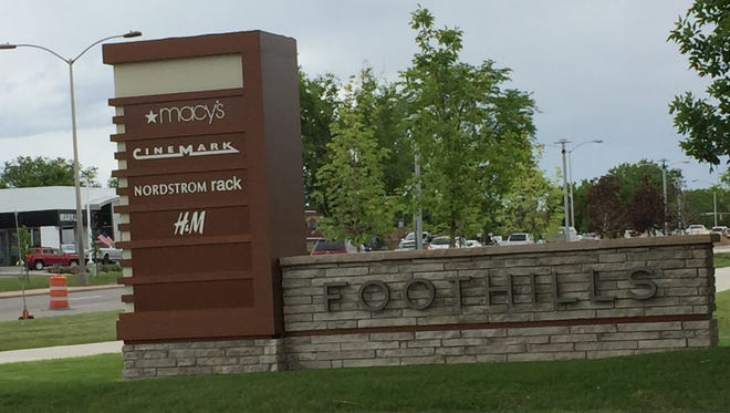 Developers of Foothills shopping center are bringing a modified food court back to the Midtown mall.
