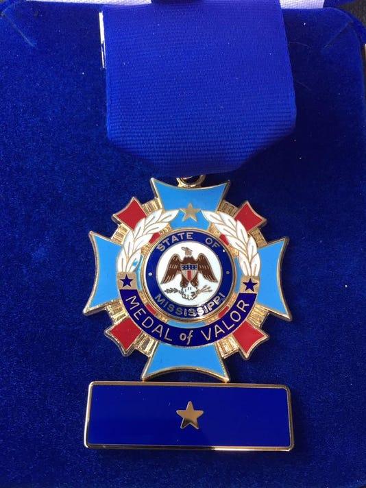 636341730551107990-medal-of-valor.jpg