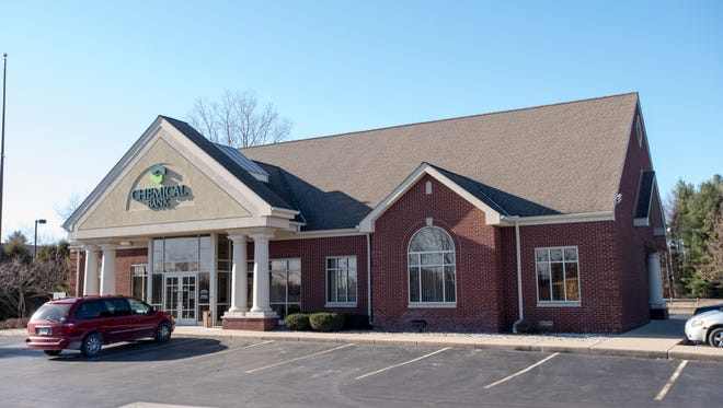Chemical Bank is planning to close its branch on Wadhams Road in Kimball Township to consolidate it with another on Lapeer Road later this month.