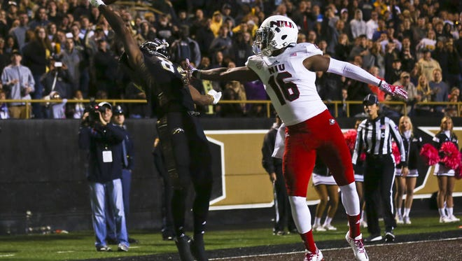 Western Michigan wide receiver Corey Davis (84) catches a pass with one hand in the end zone to score a touchdown during an NCAA college football game against Northern Illinois, Saturday, Oct. 8, 2016, in Kalamazoo, Mich.