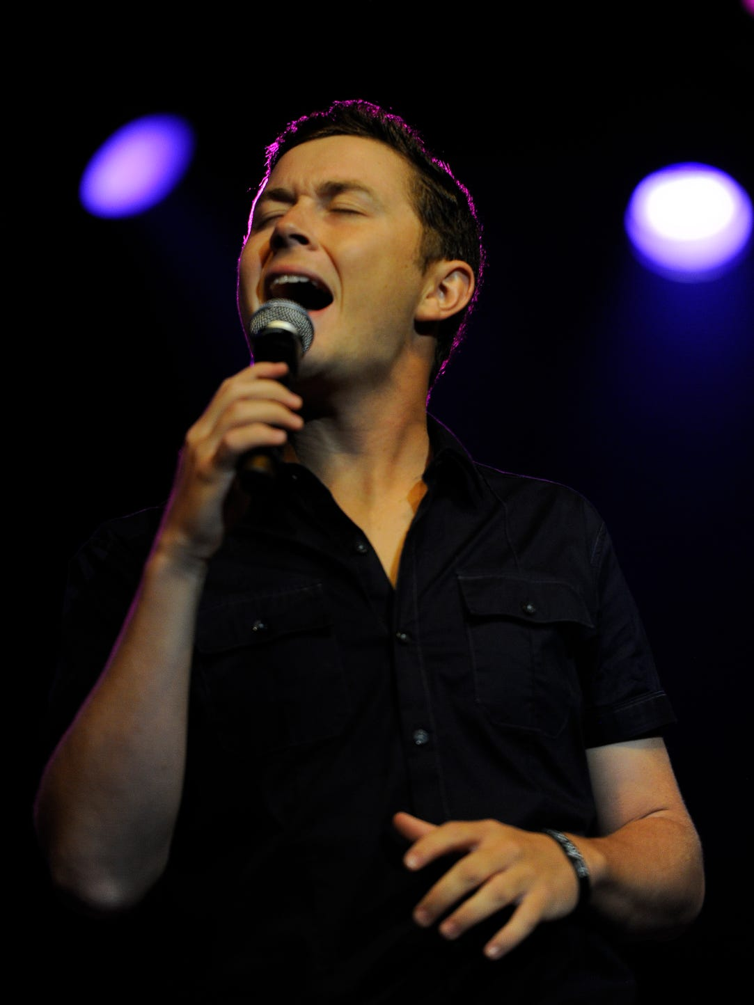 Scotty McCreery performs during the Darius Rucker &
