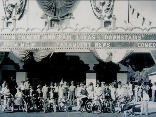 Fox Theatre 1932.jpg
