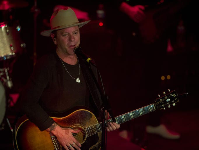 Kiefer Sutherland took to the stage on April 24 at