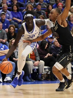 Kentucky's Wenyen Gabriel drives in to the paint in the second half against Vandy.January 30, 2018