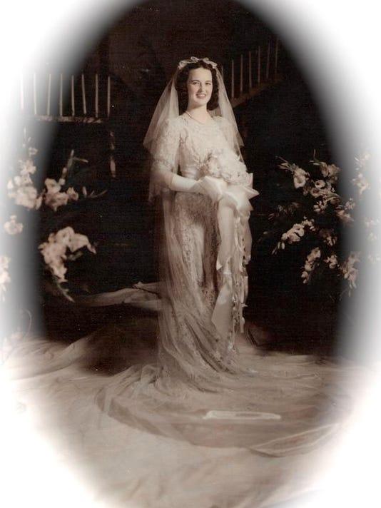 SHR 1201 wedding dress 03