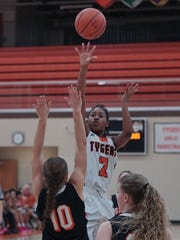 Mansfield Senior's Lynda Windham goes up for a shot during their game against Ashland Thursday night.