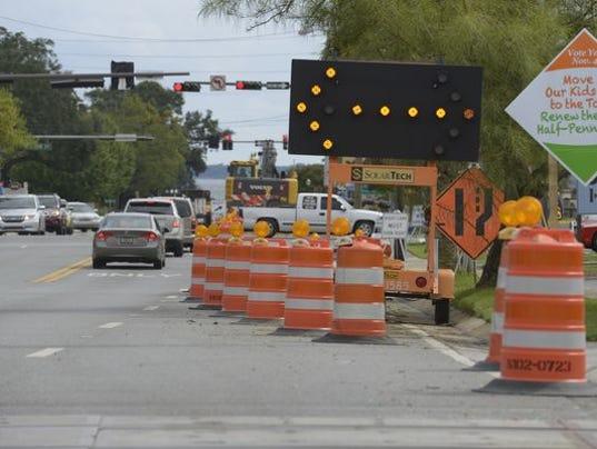 635585801387374088-road-construction