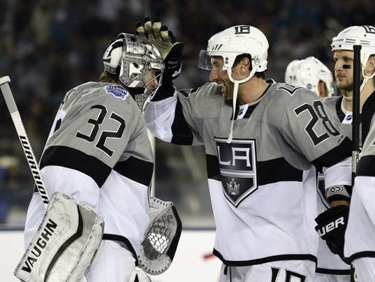 635602099184286812-635601648397875991-USP-NHL-Stadium-Series-Los-Angeles-Kings-at-San-J-001
