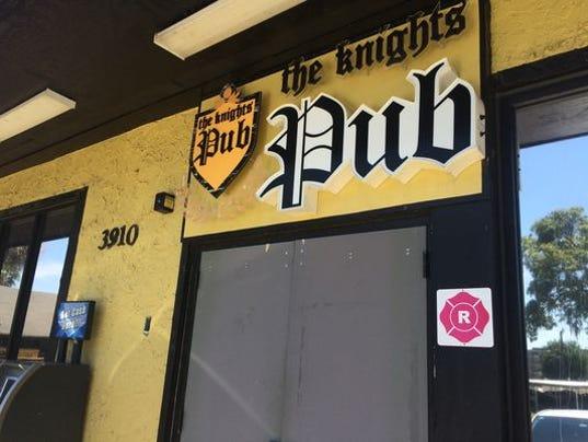 Knight's Pub