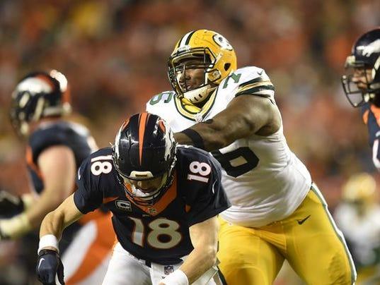635824262903054331-635820202817801620-GPG-ES-Packers-vs-Broncos-11.1.1500793
