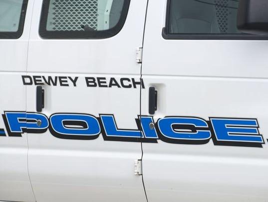 635831040818797810-dewey-police