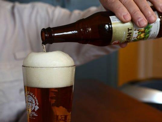 635901189226680504-beer-in-glass.jpg