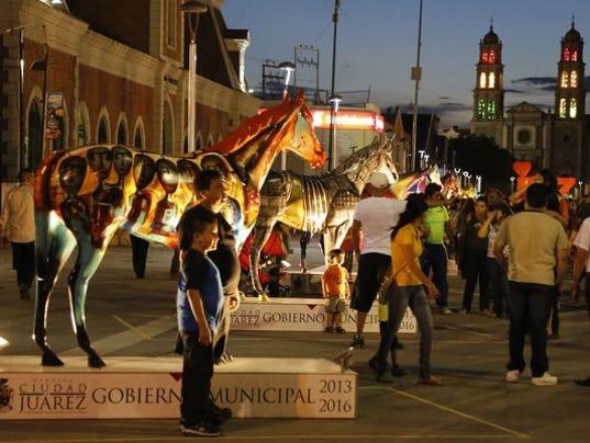 635977279727813507-juarez-horses.jpg