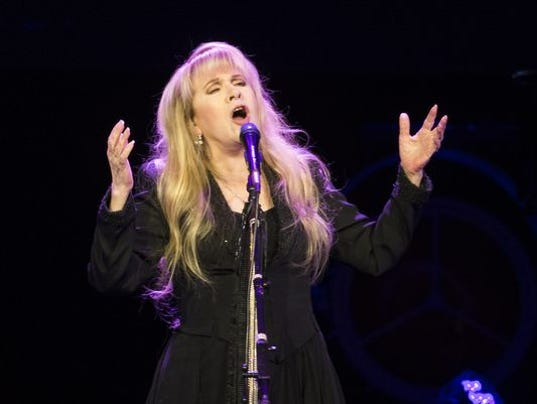 636165285837055541-636130846121907868-Stevie-Nicks-7.jpg