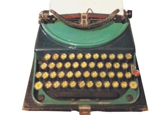 636216502568517787-vintagetypewriter.jpg