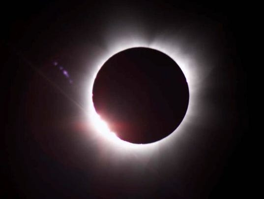 636384426803334791-eclipsepic.jpg