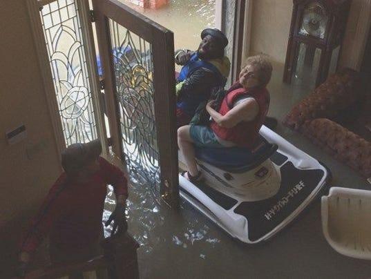 636399455730136770-water-rescue.jpg