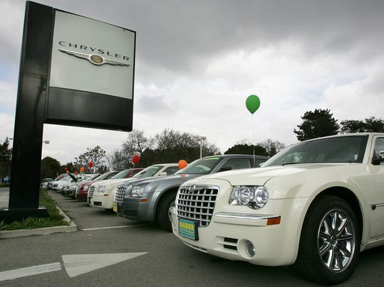 February DaimlerChrysler Sales Drop 7.7%