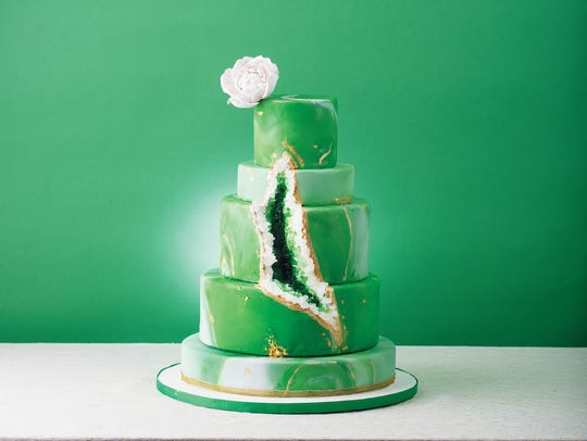 Hudson Cakery in Weehawken geode wedding cake.