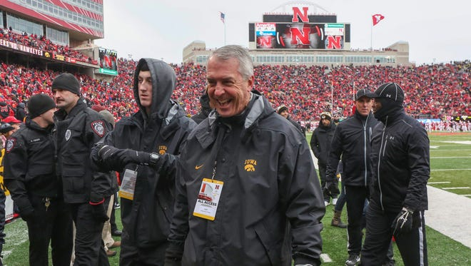Iowa athletic director Gary Barta signed a 5-year contract extension last month, according to documents obtained by The Associated Press