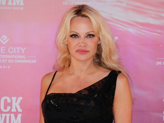 Pamela Anderson continues to defend Julian Assange following meltdown over his arrest