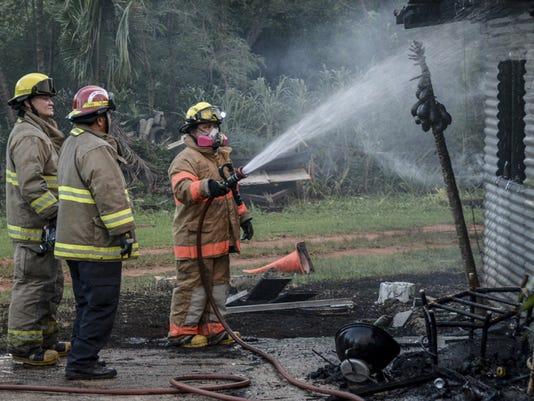 635705603590503748-house-fire