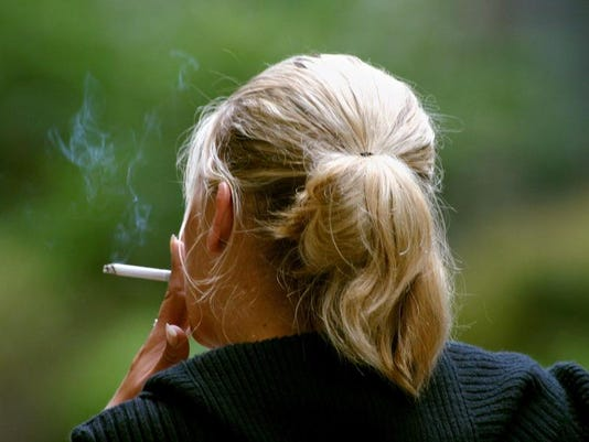 -Women_Smoking_NY116.jpg_201301233.jpg