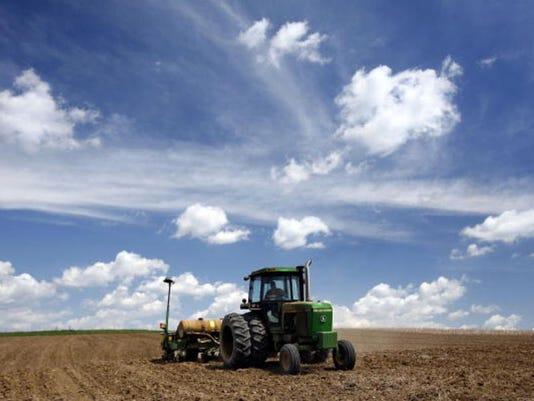 ARN-gen-agriculture-tractor.jpg