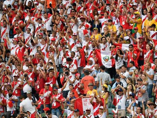 Russia_Soccer_WCup_Australia_Peru_50446.jpg