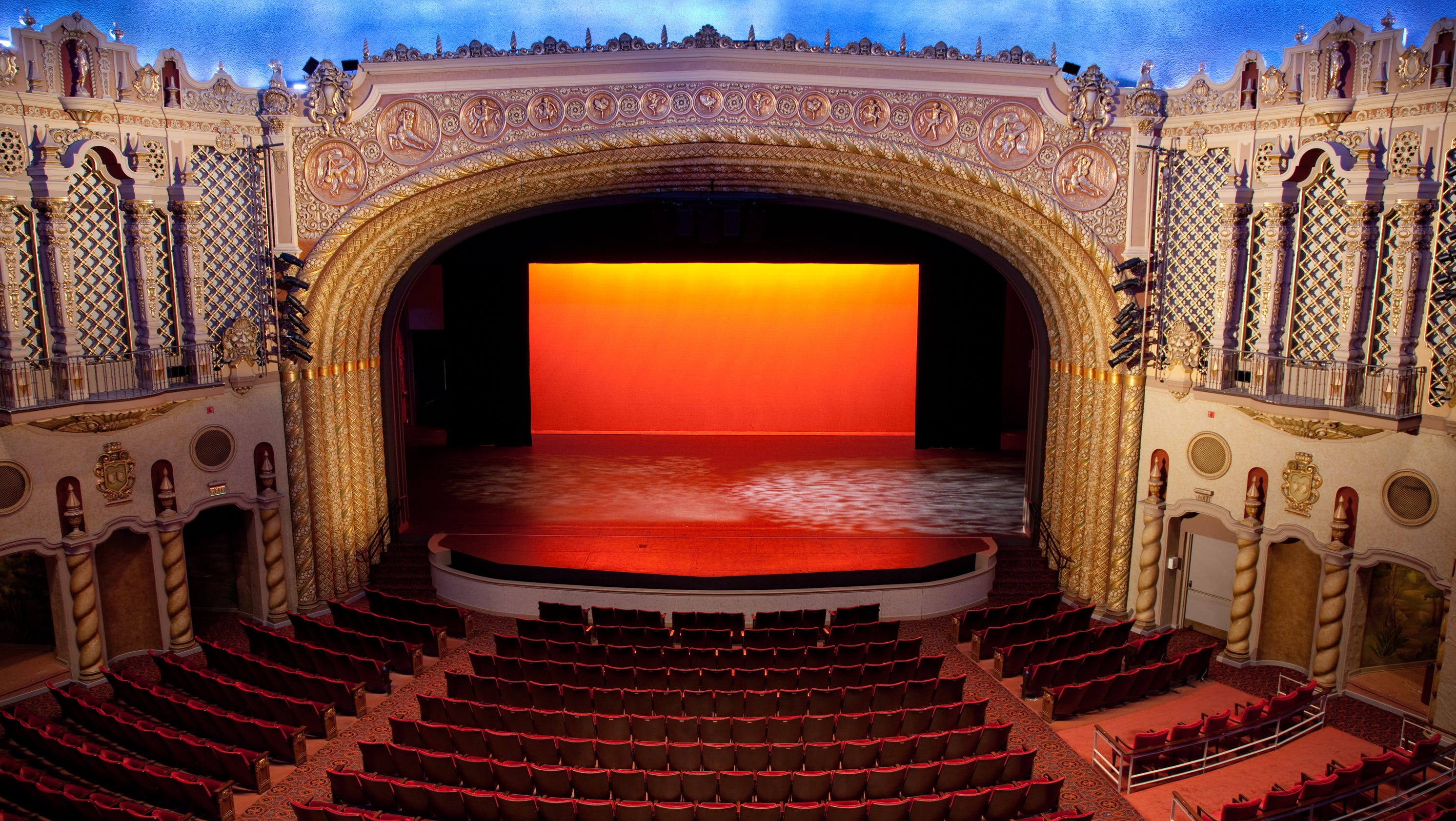 14 fun facts about the orpheum theatre for Today s interiors phoenix